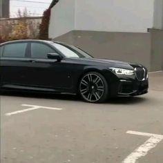 Luxury Sports Cars, New Luxury Cars, Sport Cars, Dream Cars, Bmw Black, Used Porsche, Bmw Wallpapers, Bmw Autos, Bmw Classic Cars