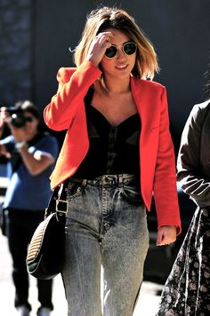 I had those jeans two years ago♡ Love the blazer