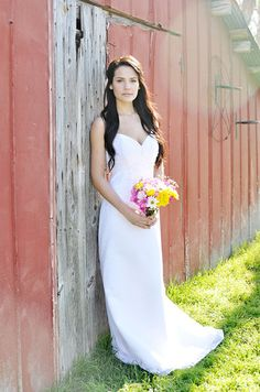 bridal pose at the barn