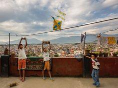 Sherpa Children - Kathmandu (63 pieces)Image copyright: Aaron Huey http://photography.nationalgeographic.com/photography/photo-of-the-day/sherpa-children-kathmandu-huey/