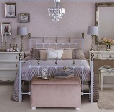 Shabby Chic Bedroom style layout