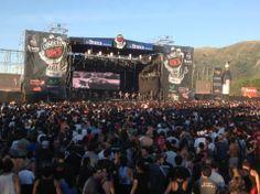 Cosquin Rock en la provincia de Cordoba, Argentina. El festival de rock más grande de Argentina, con una duración de entre 2 y 5 días. En el tocan celebres grupos del rock Argentino, así como de España, Uruguay y Chile.