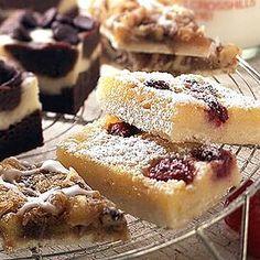 35050 Raspberry Cheesecake Bars, Raspberry Bars, Cookie Recipes, Dessert Recipes, Dessert Ideas, Baking Recipes, Yummy Treats, Sweet Treats, Powdered Sugar Icing