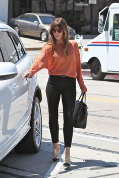 cute and stylish.  loving cropped pants this season