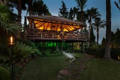 10 Thatched Gazebo Ideas for Your Backyard - Cape Reed Built In Braai, Concrete Column, Timber Structure, Timber Deck, Tiki Hut, Timber Cladding, Thatched Roof, Al Fresco Dining, Stay Cool