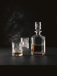 Nachtmann Shu Fa Barware, Whisky Spirit/Decanter & 2 Tumblers Barware Set, H: L: W: - H: Dia: Whiskey Accessories, Japanese Whisky, Whiskey Glasses, Crystal Glassware, Design Competitions, Bar Set, Bars For Home, Decanter, Tumbler