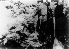 Croation Ustasha murder inmates in Jasenovac.