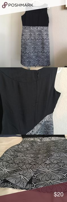 "Banana Republic dress Sleeveless black and white sheath dress, zippered back, center slit at back bottom hem. Shoulder to hem: 38"". Fully lined. 100% polyester. Banana Republic Dresses"