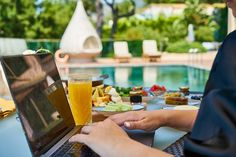 New initiatives in Japan are now working to enable workers to enjoy some scenery by giving them the opportunity to work remotely from various holiday destinations. #boss #remotework #vacation Online Income, Online Earning, Freelance Online, Online Advertising, Free Courses, Growing Your Business, How To Make Money, Investing, Vacation