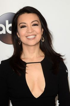 Fresh Off the Boat: Season Five; Ming-Na Wen and Others to Recur on ABC Series - canceled + renewed TV shows - TV Series Finale Cute Celebrities, Celebs, Romantic Good Morning Messages, Famous Duos, Melinda May, Fresh Off The Boat, Ming Na Wen, Iain De Caestecker, Tv Icon