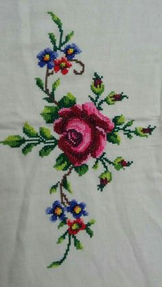 Cross Stitch Pillow, Cross Stitch Borders, Cross Stitch Rose, Cross Stitch Flowers, Cross Stitching, Cross Stitch Patterns, Flower Embroidery Designs, Embroidery Art, Embroidery Applique
