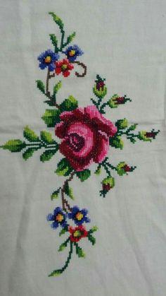 💞💞💞 Cross Stitch Pillow, Cross Stitch Rose, Cross Stitch Borders, Cross Stitch Flowers, Cross Stitching, Ribbon Embroidery, Cross Stitch Embroidery, Embroidery Patterns, Machine Embroidery