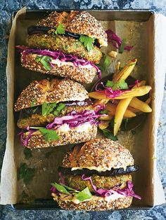 falafel burgers with pickled red cabbage and baba ghanoush - Modern Vege Burgers, Falafel Burgers, Tofu Burger, Meatless Burgers, Veggie Recipes, Vegetarian Recipes, Lentil Patty, Smash Recipe, Hamburgers