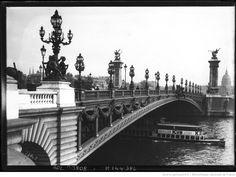 Le pont Alexandre-III (agence Rol, 1912).
