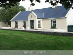 House exterior ireland home Ideas for 2019 Modern Bungalow Exterior, Modern Bungalow House, Bungalow House Plans, Modern Farmhouse Exterior, Cottage House Plans, Dormer Bungalow, Irish Cottage, Farm Cottage, Cottage Homes