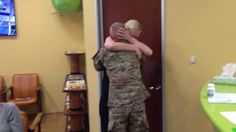 [VIDEO] Soldier, Home From Afghanistan, Surprises Sister & Mom