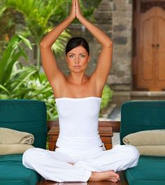 4 Einfache Yoga Übungen für Anfänger