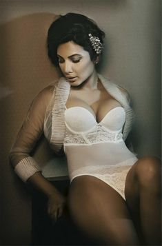 The hot and sexy unseen masala indian model girls very seducing bikini pics and erotic wallpapers in which they are showing there juicy milk...