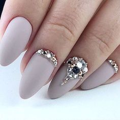 Installation of acrylic or gel nails - My Nails Swarovski Nails, Crystal Nails, Gem Nails, Hair And Nails, Nail Gems, Bride Nails, Wedding Nails, Cute Nails, Pretty Nails