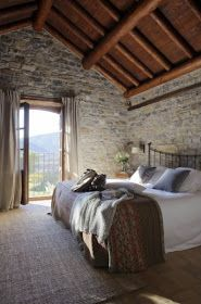 23 Stunning Rustic Italian Bedroom Decor Design Ideas - Decoration for All Stone Cottages, Stone Houses, Style At Home, Home Bedroom, Bedroom Decor, Bedroom Ideas, Dream Bedroom, Bedroom Furniture, Tuscan Bedroom