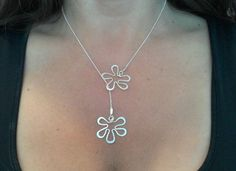 wire flower necklace
