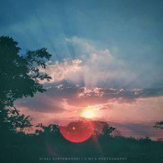 Writer sunsets be like!! #5uryagraphy  . .  Nj's Photography . .  Tags : #India #pune #puneinstagrammers #nature #landscape #landscapephotography #natgeotravel #natgeocreative #natgeo #nationalgeographic #travel #traveltales #IAmNikon #picoftheday #instago #instagram #sky #sun #sunset #winter #tree #clouds ##love #alone #india_gram #maharashtra_ig #red #blue
