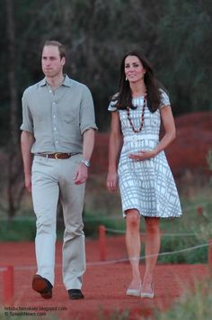 Kate wearing Hobbs Wessex Dress, Pied a Terre Imperia wedges. She accessorized with a beaded necklace she received as a gift and Catherine Zoraida Double Leaf Earrings. Duchess Kate, Duke And Duchess, Duchess Of Cambridge, Prince William And Kate, William Kate, Kate Middleton, Ayers Rock, Baby George, British Royals