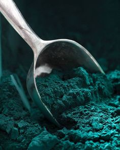 The Lush Meadow tint is amongst this fall's shades. With our Glacier Blue color, stay in the autumnal trend! Dark Green Aesthetic, Aesthetic Colors, Teal Green, Green Colors, Colours, Dark Teal, Emerald Green, Aqua Blue, Terra Verde
