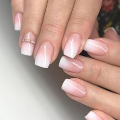 Thought you couldn't get a french manicure because you have short nails? Thought you couldn't get a french manicure because you have short nails? Short nails don't often appear in the stunning nail art designs on Ongles Gel French, French Manicure Short Nails, French Manicure Designs, Ombre Nail Designs, Nail Manicure, Nail Art Designs, My Nails, Nail Polish, American Manicure Nails