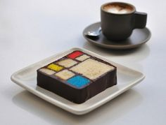 Mondrian Cake is actually served at SF MOMA  (umm... more reasons to visit me in SF!?!? HELLO~~~~?!!?)