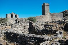 The Historical Villages of Centro de Portugal are enchanting mountain villages whose histories stretch back to the beginnings of Portugal as a nation. Lion Of Judah, Mountain Village, Knights Templar, Wild Nature, Pilgrimage, Science And Nature, Mount Rushmore, Portugal, Spanish