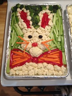 This Bunny Tray looks great and will feed your little ones with healthy vegetabales!