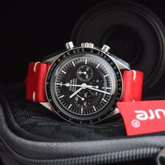 We make exquisite watch straps & accessories. Meanwhile, we publish articles for our esteemed readership covering watches and more. Cool Watches, Watches For Men, Omega Speedmaster Moon, Moon Watch, Speedmaster Professional, Vintage Rolex, Fashion Watches, Chronograph, Atelier