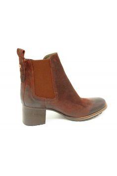 Botín de piel marrón. Zapatos online. brown booties 9de7d291af07