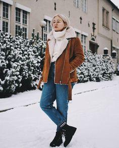 Tää on mun mielestä talvi pukeutumista parhaimmillaan . . . . . . #whatiwore #fashionstatement #moreontgeblog #vagabondshoemakers #monkistyle #winteroutfit #scandifashion #bikbok