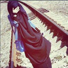 Modest and fashion wear, jilbab, hijab. Stylish Hijab, Hijab Chic, Arab Girls Hijab, Muslim Girls, Beautiful Muslim Women, Beautiful Hijab, Hijabi Girl, Girl Hijab, Islamic Fashion