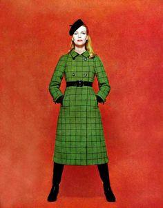 "Dior 1966 (ça me fait penser au film ""Imogene McCarthery""^^)"