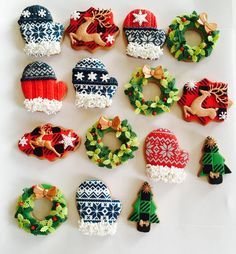 Christmas mittens cookies - Cake by Delice