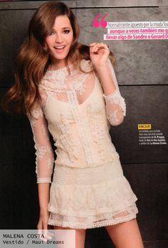 Look de modelo Malena Costa con vestido de encaje crudo  - Highly Preppy