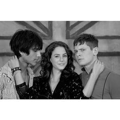 I think this is so perfect. Freddie is staring right at Effy and Cook is looking at the camera.