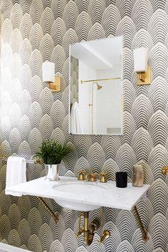 Decoração de: Banheiro; papel de parede art deco; Casa de Valentina