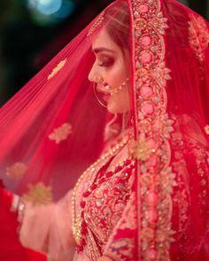 Indian Bride Poses, Indian Bridal Photos, Indian Wedding Photography Poses, Bride Photography, Photography Ideas, Bridal Poses, Wedding Poses, Wedding Photoshoot, Bridal Portraits