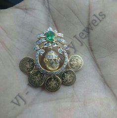 Diamond Necklace Simple, Diamond Pendant Necklace, Simple Earrings, Bold Necklace, Jewelry Design Earrings, Bead Jewellery, Fine Jewelry, India Jewelry, Jewellery Designs