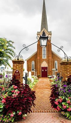 Peter's Church Lewes, Delaware - where my great grandparents are buried. Old Country Churches, Old Churches, Lewes Delaware, Delaware State, Rehoboth Beach, Cathedral Church, Church Building, Chicago Tribune, Travel Design