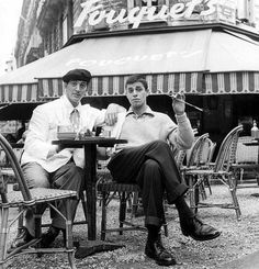 Dean Martin Jerry Lewis à Paris devant le Fouquet's Jerry Lewis, Dean Martin, Photo Star, Old Movie Stars, Tumblr, Famous Couples, Funny People, Funny Guys, Old Movies