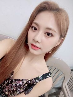 Twice-Tzuyu Instagram @twicetagram Nayeon, Kpop Girl Groups, Korean Girl Groups, Kpop Girls, Sana Momo, Twice Korean, Bias Kpop, Twice Once, Tzuyu Twice