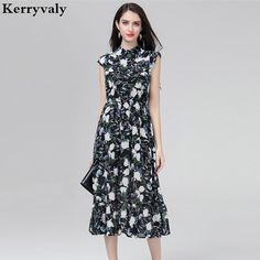 A vibrant watercolor print combines with pleated details to give this petites' Simply Vera Vera Wang shirt dress a polished look. Cap Dress, Sheath Dress, Womens Size Chart, Simply Vera, Vera Wang, Ideias Fashion, Jackets For Women, Short Sleeve Dresses, Summer Dresses
