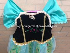 """New design with petticoat and lining Elsa dress cosplay costume in frozen nightgowns dresses girl the snow queen baby girl princess dress with Wigs+magic wands+crowns  """"like"""" us on facebook,you will get more https://www.facebook.com/yunhuigarment"""