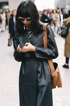 Here are the best street style looks seen at Milan Fashion Week, as captured by photographer Diego Anciano. Casual Street Style, Street Style Blog, Edgy Style, Street Style Trends, Autumn Street Style, Street Style Looks, Street Chic, Street Styles, La Fashion Week