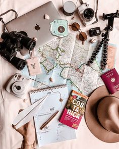 flatlay New Adventures in Costa Rica ‡ … Flat Lay Photography, Travel Photography, Camera Photography, Flatlay Instagram, Travel Flatlay, Travel Wallpaper, Iphone Wallpaper, Blog Voyage, Travel Aesthetic
